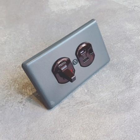 鐵灰砂圓形指撥單路1開接地1插