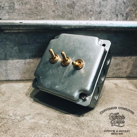 鍍鋅美規盒裝黃銅復古開關3開(含盒)