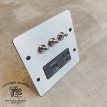 鋁合金手工研磨復古3開加單槽USB接地單插