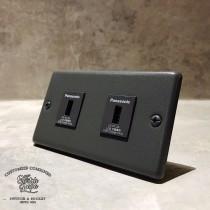 鐵灰砂面板2USB插座(快速型)合計4A