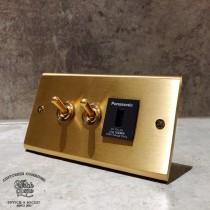 黃銅面板黃銅復古開關2開1USB插座(快速型)